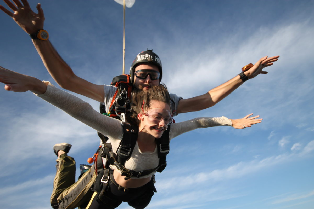 Does your stomach drop when you skydive?