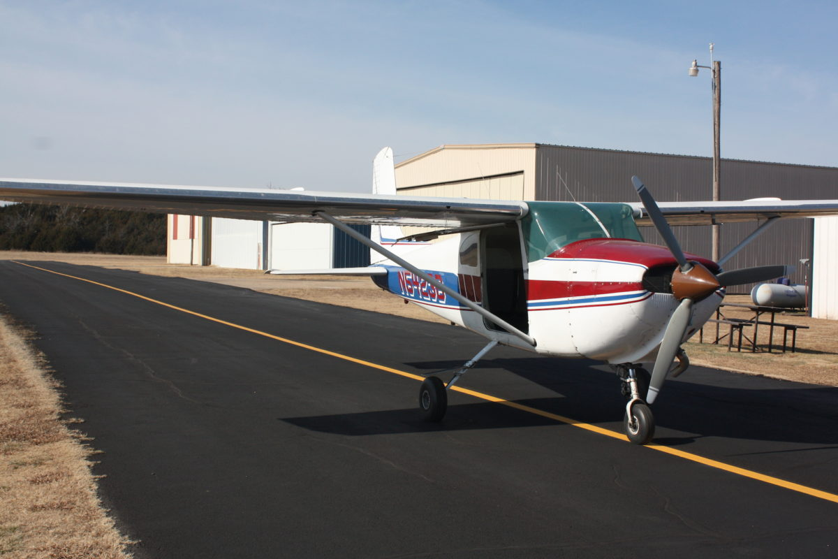Oklahoma Skydiving Center Cessna 182