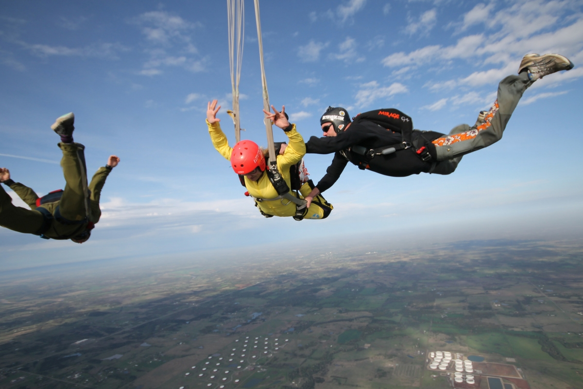 Tandem Skydive -vs- Accelerated Student Skydiving ...