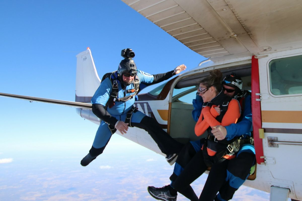 Can I eat or drink before skydiving?